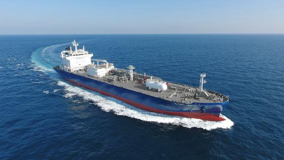 A liquefied petroleum gas ship manufactured at Hyundai Mipo Dockyard. [KSOE]