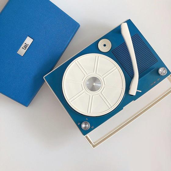 A record player [LEMON SEOUL]
