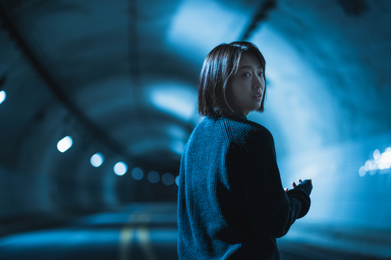 """Actor Park Shin-hye plays Seo-yeon in the film """"The Call."""" [NETFLIX]"""