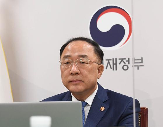 Hong Nam-ki, finance minister and deputy prime minister for the economy. [NEWS1]