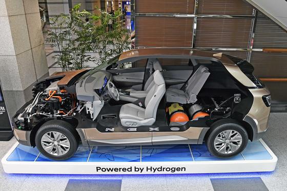 Hyundai Motor's hydrogen-powered Nexo on display. [HYUNDAI MOTOR]