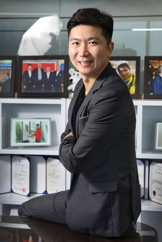 IOC member Ryu Seung-min poses for a photo during an interview in his office in Gangnam District, southern Seoul, on Oct. 20. [PARK SANG-MOON]