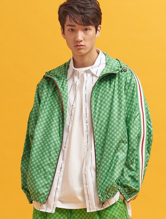 Beanpole jacket featuring hangul.[SAMSUNG C&T]
