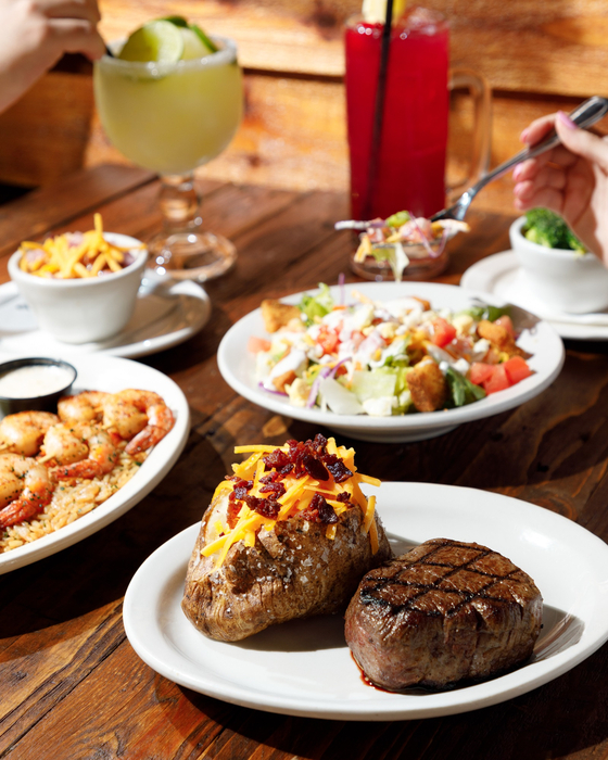 Texas Roadhouse To Open Shucking Line Dancing And All