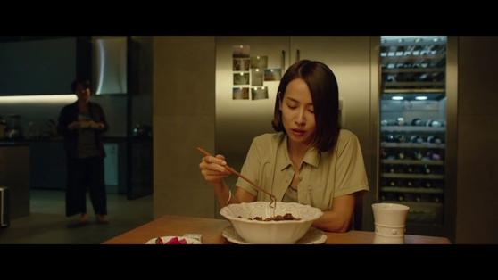 "Actress Cho Yeo-jeong eats Chapaguri ram-don in the film ""Parasite"" (2019). [CJ ENM]"