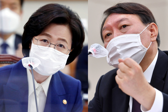 Justice Minister Choo Mi-ae, left, and Prosecutor General Yoon Seok-youl are feuding over prosecution reforms.Lee Sang-eon The author is an editorial writer of the JoongAng Ilbo. [AP/YONHAP]