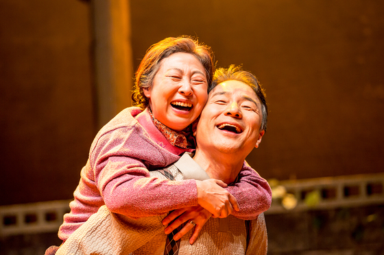 """The Story of an Old Couple: Stage Movie"" is the pioneer of a new genre of stage movie, in which a classical play ""The Story of an Old Couple"" was filmed and released in CGV theaters this August. [SEOUL ARTS CENTER]"