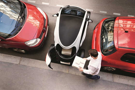 Amid hectic urban lifestyles is where Twizy's compact size shines the brightest. [Renault Samsung Motors]