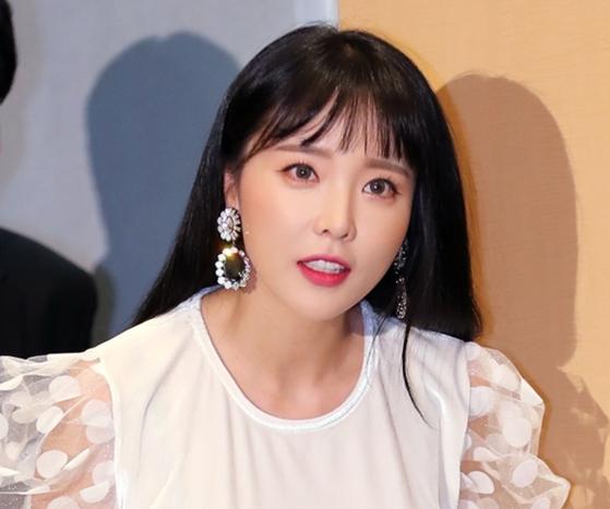 Singer Hong Jin-young [ILGAN SPORTS]