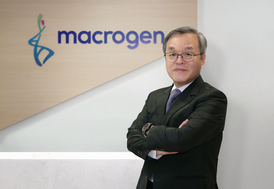 Korea Biotechnology Industry Organization President Seo Jeong-sun says that Korea's future in biotechnology lies in merging big data and medical services during an Oct. 12 interview with the Korea JoongAng Daily at Macrogen's headquarters in Gangnam, southern Seoul. [JEON TAE-GYU]