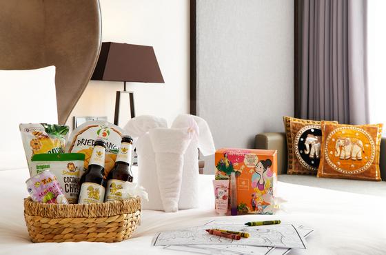 "Thai snacks and beer available during JW Marriott Seoul's promotion ""Enjoy Khao Lak in Seoul."" [JW MARRIOTT SEOUL]"