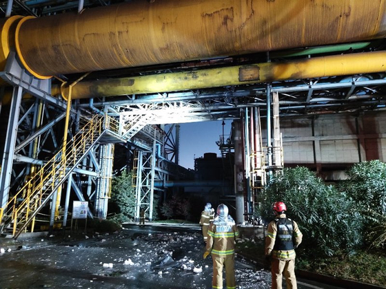 Posco's Gwangyang steel mill, where three people were killed in an explosion on Tuesday. [YONHAP]