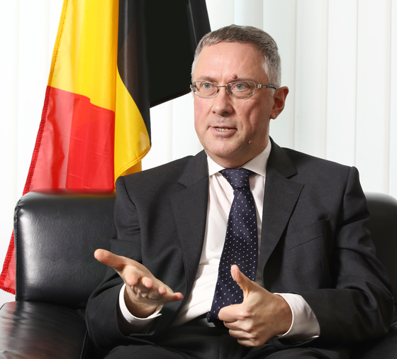 Ambassador of Belgium to Korea Peter Lescouhier speaks with the Korea JoongAng Daily on Nov. 3. [PARK SANG-MOON]