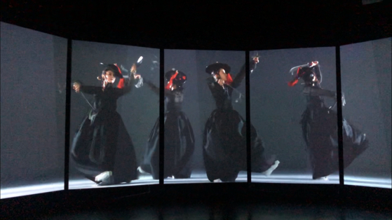 """Dancers of the National Dance Comapny showcase the recreated traditional dances on the painting of the """"Pyeongan Gamsa Hyangyeondo."""" [YIM SEUNG-HYE]"""