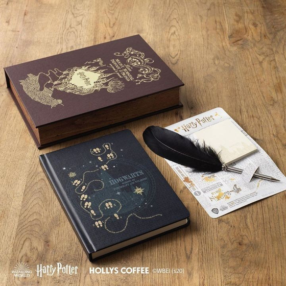 Hollys Coffee collaborated with Harry Potter to release series of yearly planners and bags. [HOLLYS COFFEE]