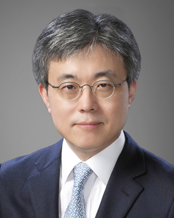 Choi Si-young