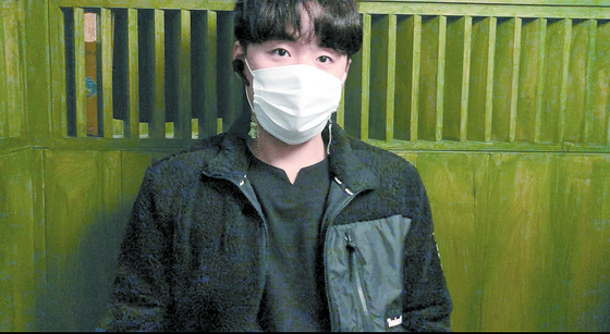 Han Sang-hoon, the 29-year-old head of a ladder lift truck business, emerged as a hero during the Gunpo apartment fire, saving the lives of three people. [CHAE HYE-SEON]