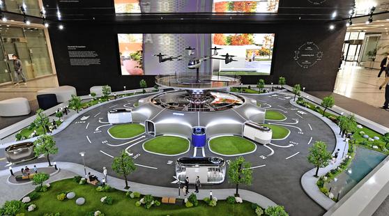A mock-up of Hyundai Motor's vision in urban mobility set up at is Seoul headquarters. [HYUNDAI MOTOR]