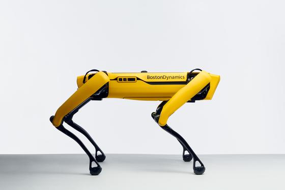 Boston Dynamics' four-legged robot Spot. [HYUNDAI MOTOR]