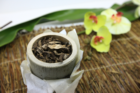 Dried herbs used for medicine and food are abundant in Jecheon, North Chungcheong. [KOREA TOURISM ORGANIZATION]