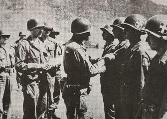 Members of the Greek Hellenic Air Force being decorated by U.S. 1st Cavalry Division during the Korean War. [EMBASSY OF GREECE IN KOREA]