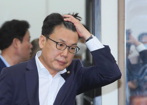 Rep. Jin Sung-joon of the Democratic Party.  [YONHAP]