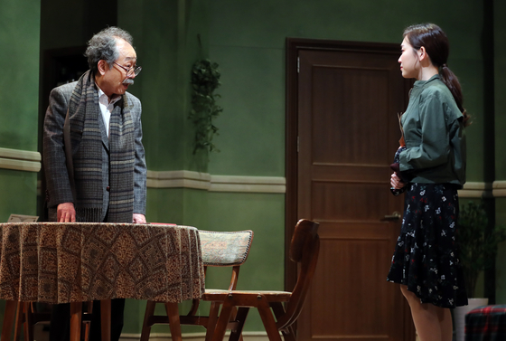 The Korean production of a popular long-running play is again being performed by two veteran actors Lee Sun-jae and Shin-goo. [PARK COMPANY]