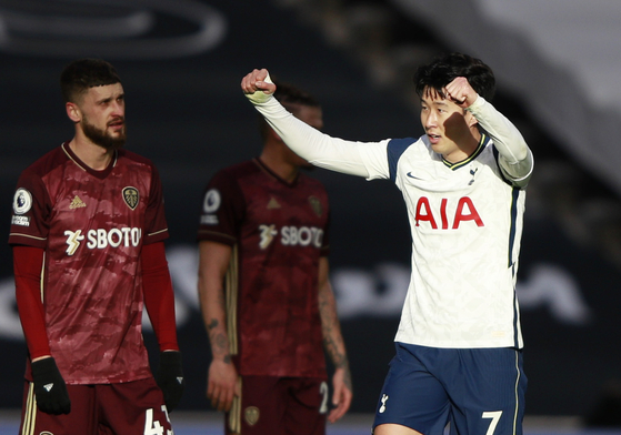 Son Heung-min celebrates after scoring his 100th goal for Tottenham Hotspur against Leeds United on Saturday at Tottenham Hotspur Stadium in London.  [REUTERS/YONHAP]