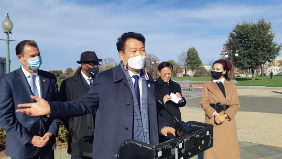 Rep. Song Young-gil, chair of the National Assembly's Foreign Affairs Committee, in a visit to Washington in November. Song said he would lead another delegation, a bipartisan entourage of six lawmakers, to Washington again this month in time for the inauguration of incoming U.S. President Joe Biden. [YONHAP]