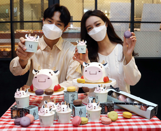 Ox-themed desserts introduced at Shinsegae Department Store's The Menagerie in celebration of the Year of the Ox. [SHINSEGAE DEPARTMENT STORE]