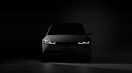 Hyundai Motor teased the image of Ioniq 5 on Wednesday which will be the first model to be manufactured with its electric vehicle-dedicated platform. [HYUNDAI MOTOR]