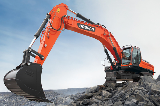 Doosan Infracore's excavator, which is being supplied to a construction company in Saudi Arabia. [DOOSAN INFRACORE]