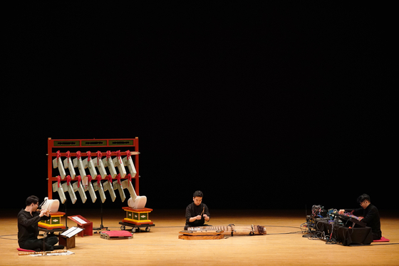 "Music director Lim Yong-ju's ""Resonating"" (translated), which introduces a unique traditional Korean instrument called pyeongyeong, will premier on Feb. 26 at the Daehakro Arts Theater in central Seoul. [ARKO]"