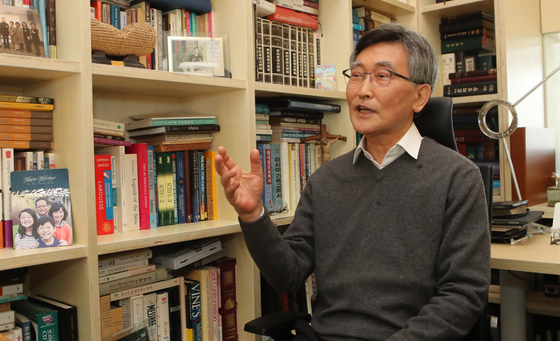 Former Pastor Lee Jae-cheol during an interview with the JoongAng Ilbo at his home in Geochang County, South Gyeongsang in March 2019. [SONG BONG-GEUN]
