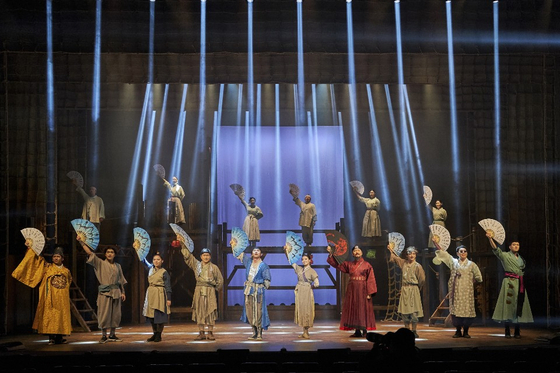 "Korean musical ""Swage Age: Singing, Joseon!"" is currently being staged at the Seoul Arts Center in southern Seoul. [PL ENTERTAINMENT]"