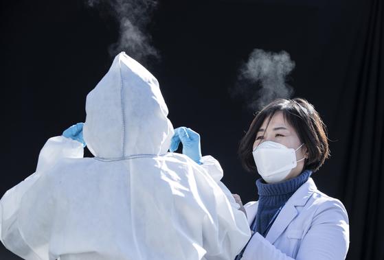 Kim Se-jae, a nurse in charge of infection control at Hyundai Hospital in Namyangju, Gyeonggi. [KWON HYUK-JAE]