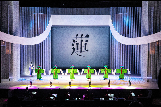 """""""1828, Yeongyeongdang,"""" which showcases the 19 kinds of jeongjae (court dance and music), will be screened on Feb. 13. [NATIONAL GUGAK CENTER]"""