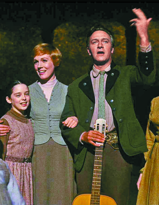 "hristopher Plummer, who played the role of Captain von Trapp in the movie ""The Sound of Music,"" has passed away at age 91. [THE WALT DISNEY COMPANY KOREA]"