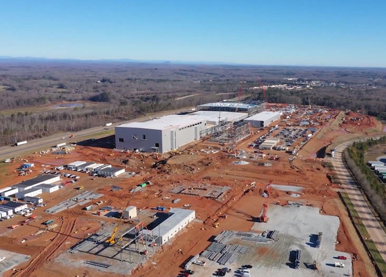 Construction site of SK Innovation's battery factory in Georgia in Jan. 2020. The two factories in Georgia were expected produce batteries enough to power 300,000 electric vehicles per year after starting mass production in 2023. [YONHAP]