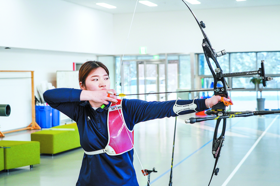 Kang Chae-young is hoping to again qualify for the Tokyo Olympics when the final round of the national qualifiers are held again in March. [KOREA ARCHERY ASSOCIATION]