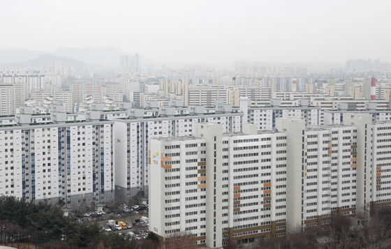 An apartment complex in Nowon District, northern Seoul, on Feb. 14. [NEWS 1]