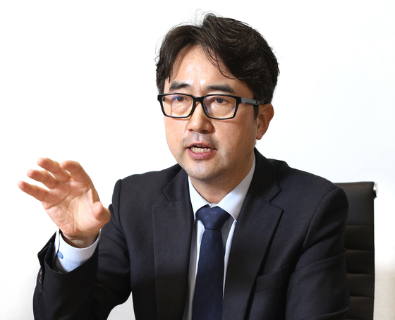 Kim Min-su, director of the northern and polar research department of the Korea Maritime Institute, speaks with the Korea JoongAng Daily on Jan. 28. [PARK SANG-MOON]