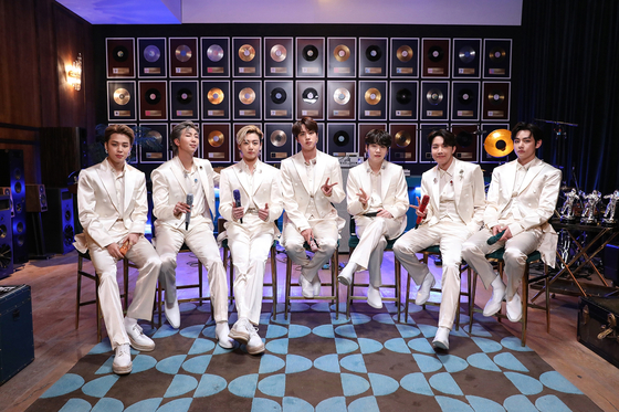 BTS featuring on ″MTV Unplugged″ on Feb. 23, local time. [ILGAN SPORTS]