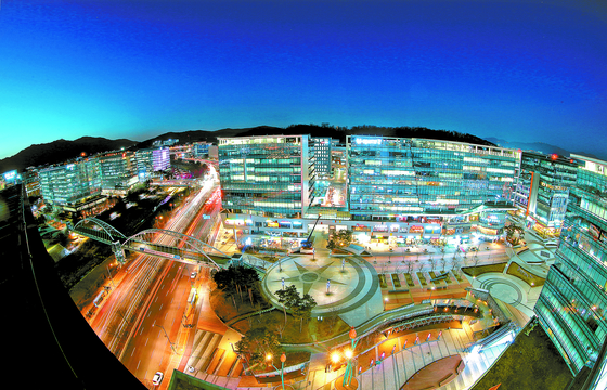 View of Pangyo, Gyeonggi, where many local IT companies are located. [JOONGANG PHOTO]