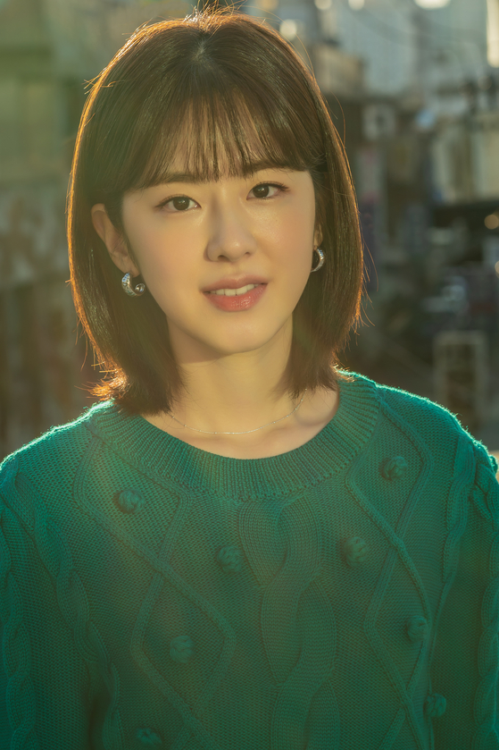 Actor Park Hye-soo was accused of bullying her former classmates but firmly denies the accusations. [LOTTE ENTERTAINMENT]