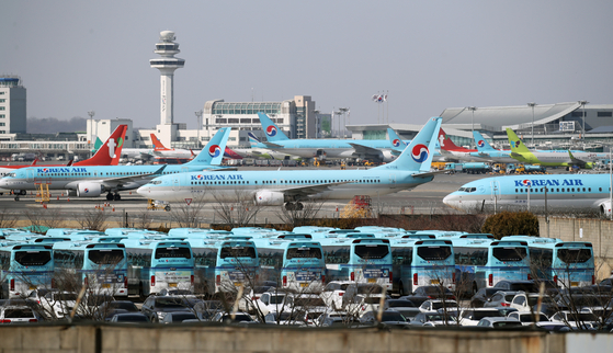 Korean AIr's passenger flights grounded at Gimpo International Airpot in February. [YONHAP]