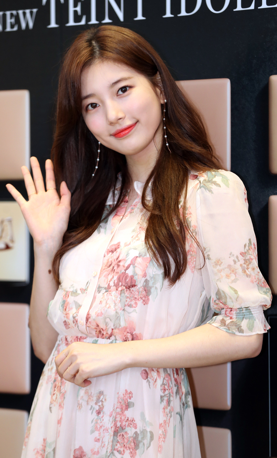 Suzy, considered to be the center of former girl group Miss A, which disbanded in 2017. [KOREA JOONGANG DAILY]