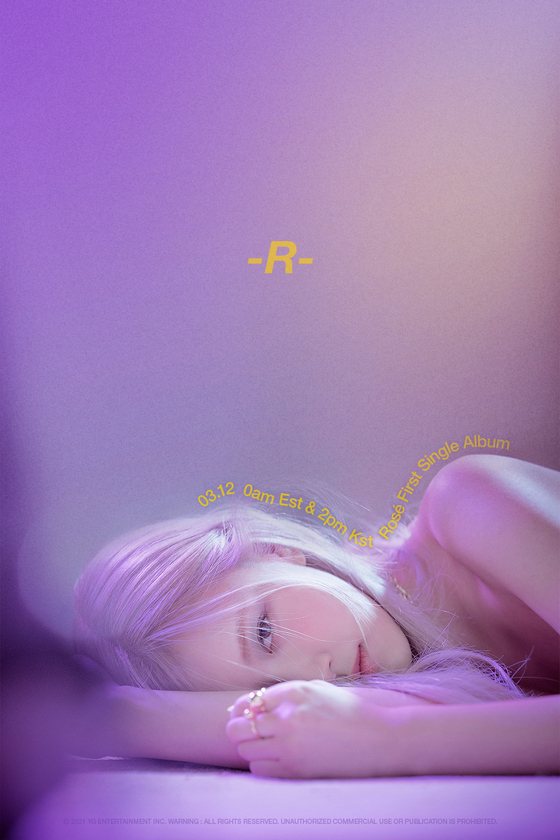 Rosé's first solo album ″R″ marked 400,000 units in presales worldwide as of Monday, a week before its release on Friday. [YG ENTERTAINMENT]