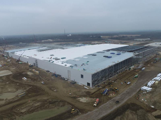 LG Energy Solution will invest 5 trillion won in U.S. by 2025 ,building at least two more battery plants. Construction site seen in the picture is a battery plant in Ohio in which LG Energy Solution and General Motors jointly invested $2.3 billion. [YONHAP]