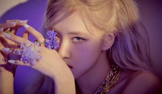A scene of Rose from her solo album ″R.″ [YG ENTERTAINMENT]